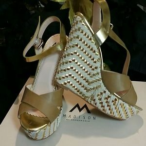 4in Tan/gold wedge heels size 8